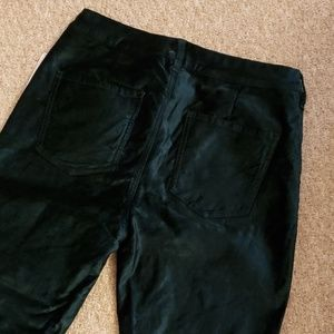 Free People. Green velvet cropped pant